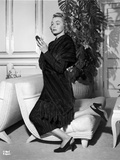 Patricia Neal on a Dress and One Leg Kneeling Photo by  Movie Star News