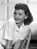 Mary Martin Leaning and smiling Portrait Photo by  Movie Star News