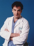 Mandy Patinkin Posed in Doctor Outfit with Arm's Cross Foto af  Movie Star News