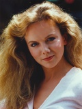 Linda Purl Portrait in White Dress Photo af Movie Star News