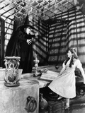 Wizard Of Oz Girl Looking Scared at the Witch in Black and White Photo af Movie Star News