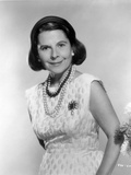 Ruth Gordon on a Sleeveless Dress with Pearl Necklace Photo by  Movie Star News