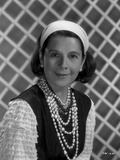 Ruth Gordon on a Ruffled Sleeve on Pearl Necklace Photo by  Movie Star News