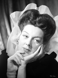 Rosalind Russell Leaning on Hand Photo by  Movie Star News