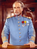 Richard Dreyfuss standing in General Uniform Photo by  Movie Star News