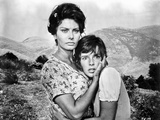Sophia Loren hugging an Innocent Girl in a Movie Scene Photo autor Movie Star News