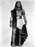 Yul Brynner standing Egyptian Dress in White Background Photo by  Movie Star News