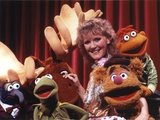Petula Clark Group Picture with Kermit Photo by  Movie Star News