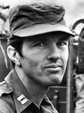 Tom Skerritt Posed in Private First Class Attire With Cap Photo af Movie Star News