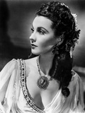 Vivien Leigh posed with a Victorian Hairstyle Photo by  Movie Star News