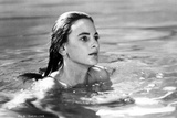Marlee Matlin Swimming in Classic Photo by  Movie Star News