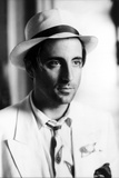 Andy Garcia Posed in White Suit With Hat Foto von  Movie Star News