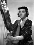 Zasu Pitts Playing Harp in polka dot Dress Photo by  Movie Star News