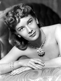 Vera Miles photographed wearing dazzling diamond encrusted earring and braclets Photo by  Movie Star News