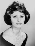Sophia Loren wearing a Scoop-Neck Dress with Necklace in a Close Up Portrait Photo autor Movie Star News