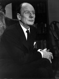 John Gielgud Posed in Black Suit With Black Background Photo by  Movie Star News