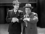 Abbott & Costello in Suit and Hat Looking at the Time Photographie par  Movie Star News