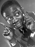 Willie Best Posed in Nice Suit With Two Pointing Fingers Raise Photo by  Movie Star News