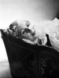 Lilyan Tashman Lying on Couch in Black and White Portrait Photo by  Movie Star News