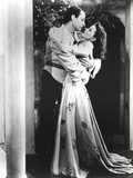 Laurence Olivier in Kissing Scene Black and White Couple Portrait Photo by  Movie Star News