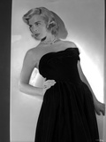 Lizabeth Scott Posed in Black Long Gown with Pearl Necklace Photo by  Movie Star News