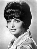 Suzanne Pleshette wearing a Printed Blouse with Pearl Necklace Photo by  Movie Star News