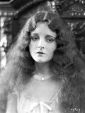 Mary Astro Portrait wearing Necklace and Curly Long Hair Photo by  Movie Star News