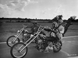Easy Rider Riding Big Bike in Classic with Helmet Foto von  Movie Star News