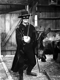 Guy Williams Posed wearing Zorro Outfit With Sword Photo by  Movie Star News