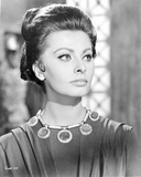 Sophia Loren wearing a Black Blouse in a Close Up Portrait Photo autor Movie Star News