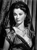 Vivien Leigh posed in Black and White Portrait Photo by  Movie Star News