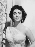 Elizabeth Taylor smiling in Dress with Earrings Photo by  Movie Star News