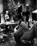 It's A Wonderful Life Decorating a Christmas Tree Photo by  Movie Star News