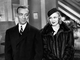 Fred Astaire and Ginger Rogers Looking at Each Other Photo by  Movie Star News