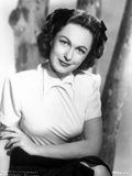 Geraldine Fitzgerald on Elegant Top sitting Portrait Photo by  Movie Star News