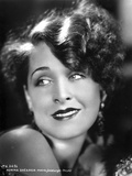 Norma Shearer Portrait in Classic with Earrings Foto af  Movie Star News