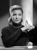 Dorothy McGuire on a Long Sleeve Top and posed Photo by  Movie Star News