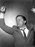 Robert Vaughn Hanging Two Hands in Black Suit Photo by  Movie Star News