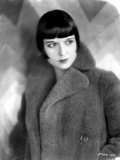 Louise Brooks Looking Away in Fur Coat Portrait Photo by  Movie Star News