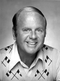 Dick Van Patten in White Coat With Black Shirt Photo af Movie Star News
