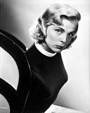 Lizabeth Scott Close Up Portrait in Black and White Photo by  Movie Star News