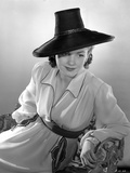 Anne Baxter on a Long Sleeve sitting and Leaning Photo by  Movie Star News