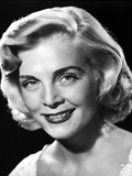 Lizabeth Scott smiling in Close Up Portrait Photo by  Movie Star News