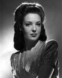 Linda Darnell Sexy posed in Black and White Photo by  Movie Star News