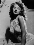 Rita Hayworth Posed with a Expressionless Face Photo by  Movie Star News