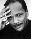Quincy Jones in Black With White Background Foto af  Movie Star News