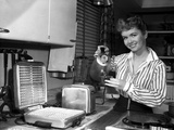 Debbie Reynolds on a Strip Making Waffles Photo by  Movie Star News