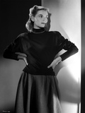 Dorothy McGuire on Long Sleeve Dress posed Photo by  Movie Star News
