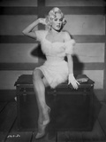 Mamie Van Doren sitting in White Fur Dress Photo by  Movie Star News