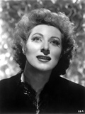 Greer Garson on Dark Top Looking Up Portrait Photo by  Movie Star News